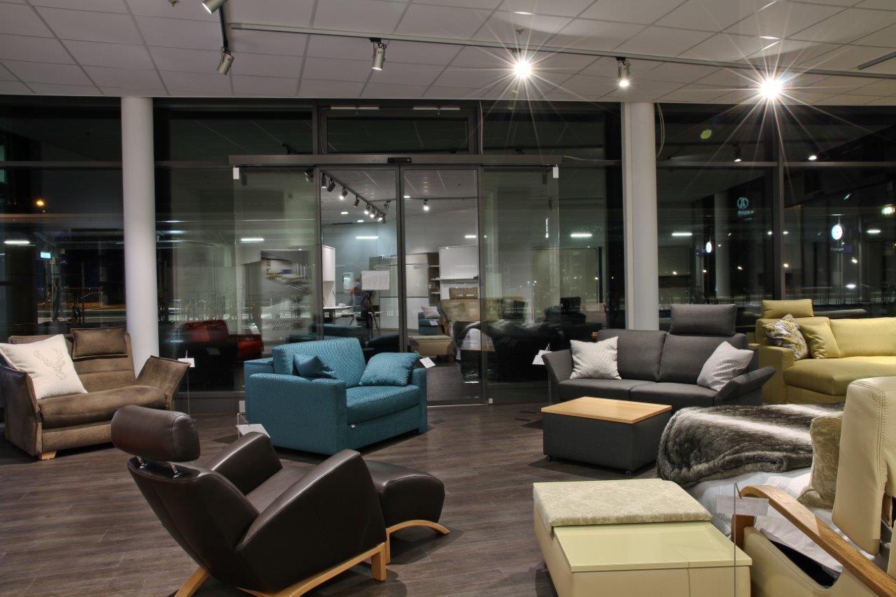 showroom m nchen 18 traumsofas blog kreative. Black Bedroom Furniture Sets. Home Design Ideas